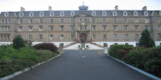 De La Salle College